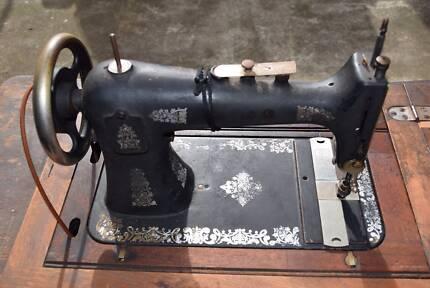 Rare Vintage Davis M Treadle Cabinet Sewing Machine Coburg North Moreland Area Preview