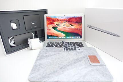 "Macbook Air 11"" 2013 + MAXED Spec + 500SSD + 8gb + i7 Intel"