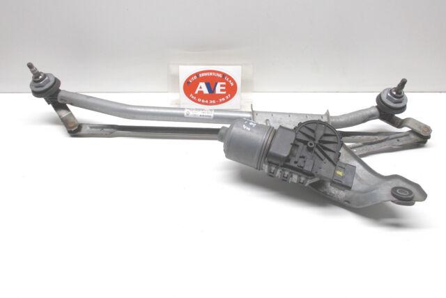 Dacia Logan Scheibenwischermotor vorne Bj 2009 Bosch 0390241544 8200619512