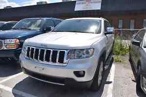2011 Jeep Grand Cherokee Limited NAVIGATION, PANORAMIC SUNROOF,