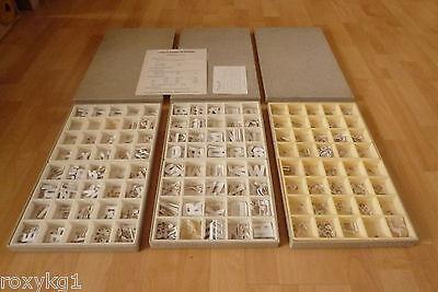 3 Kästen alte Buchstaben Werbung Schrift Laden Schaufenster Typoklett Haftbuchst