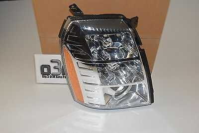 2007-2009 Cadillac Escalade EXT ESV RH Passenger Side Headlamp Headlight new OEM ()