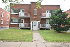 Logement 4 1/2 au 815 rue St-Louis à Joliette!