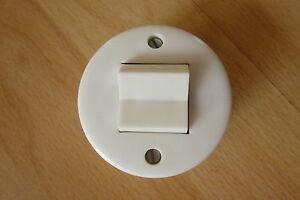 alter runder wei er lichtschalter kippschalter rund wei aufputz retro ebay. Black Bedroom Furniture Sets. Home Design Ideas