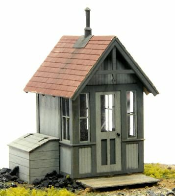 BANTA 6065 O SCALE CROSSING SHANTY Model Railroad Structure Wood Kit FREE SHIP