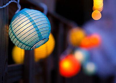 Ein echter Stimmungsaufheller: kleine, bunte Lampions. (© Thinkstock via The Digitale)