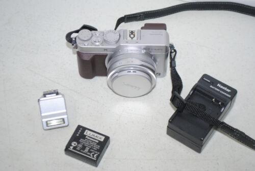 Panasonic Lumix DMC-LX100 12.8MP Digital 4K Kamera 24-75mm Leica Silber & Braun