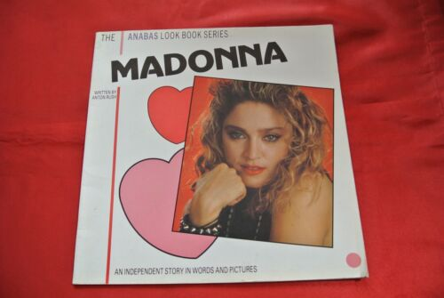 Madonna An Independent Story in Words and Pictures Import England Book