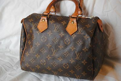 8ac3cc89dd393 I am writing this guide for all of you that REALLY WANT a Louis Vuitton  Speedy bag but are afraid of getting scammed. What I have learned over the  years ...
