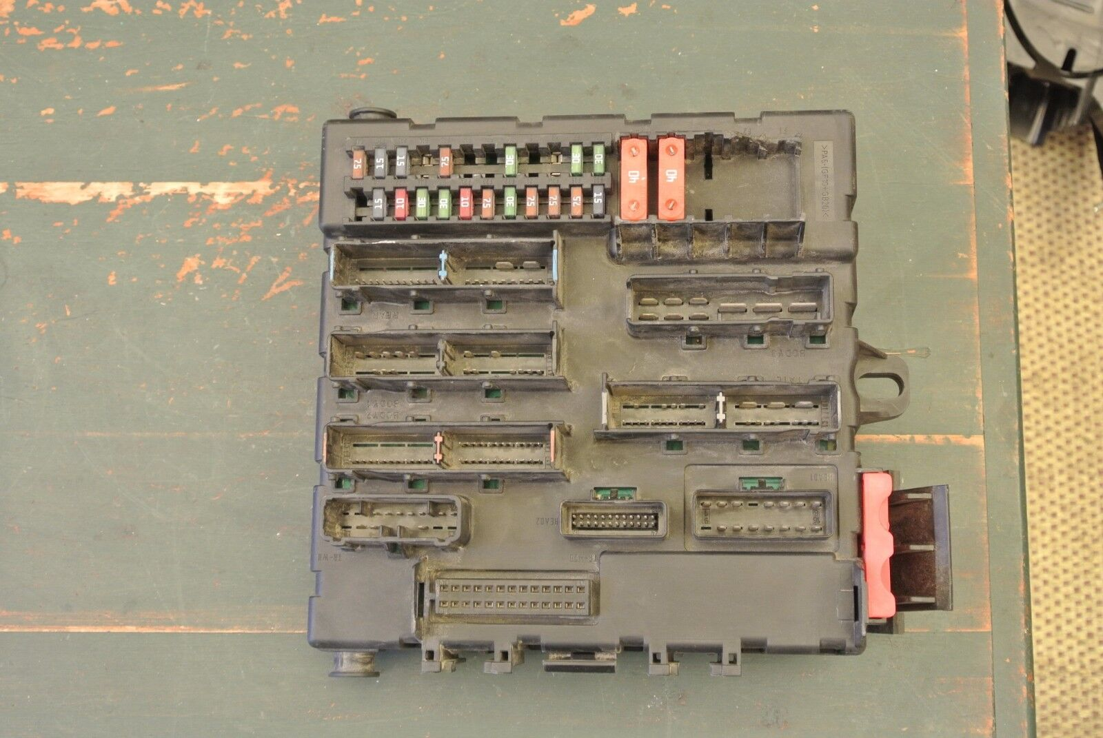 Used Saab Switches And Controls For Sale Page 28 93 2005 Fuse Box 9 3 Convertible Trunk Relay Panel 460023260