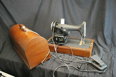 Vintage Singer 99-24 Sewing Machine In Bent Wood Case - Parts Only -A16