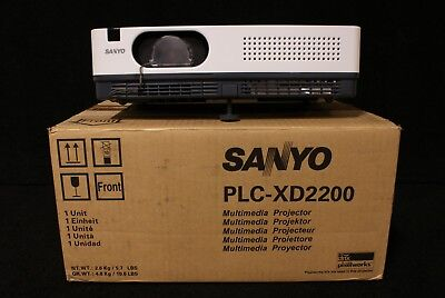 Sanyo Plc-xd2200 Lcd Projector 47 Hrs - Unit 3