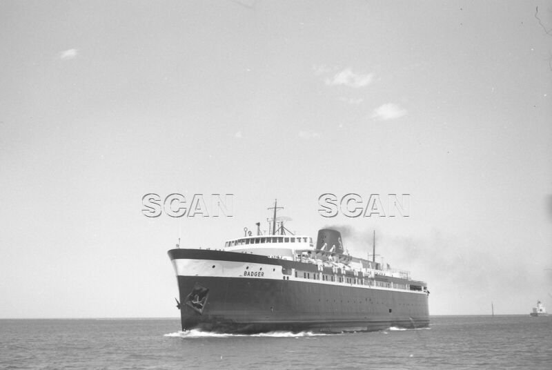 0BB157 NEGATIVE/RP GREAT LAKES SHIP CAR FERRY BADGER