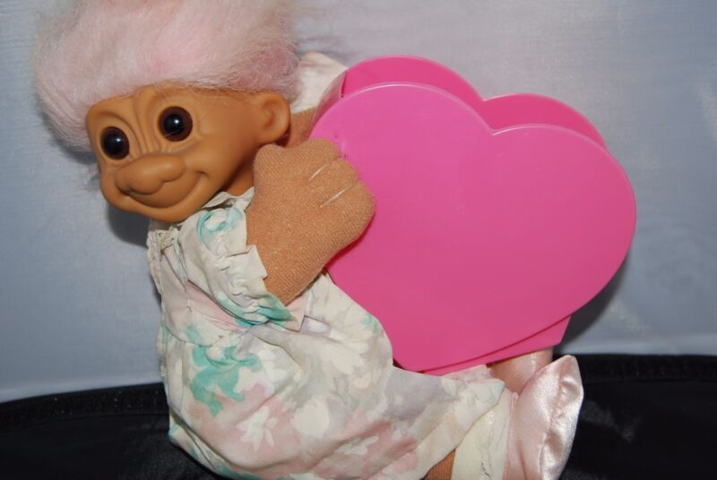 """World's Greatest Mother Troll with plastic heart with tags 11"""" Russ Brand Rare"""