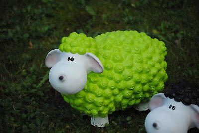 Lustiges Deko Schaf bunt Lamm Grün Tierfigur Gartenfigur Tier