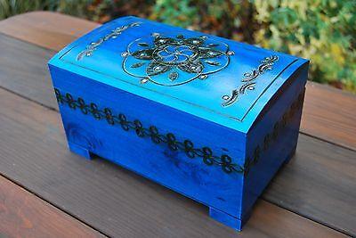 Hölzerne Groß Schmucktruhe in Blau Farbe Schloss und Schlüssel, Modell 1