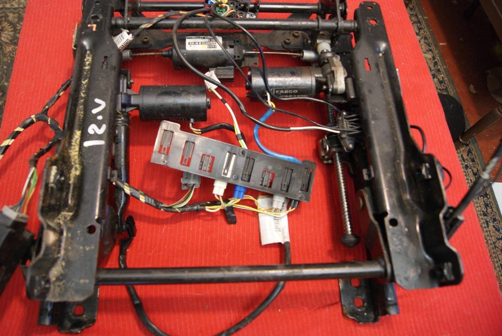 Used Jaguar Interior Parts For Sale Page 47 1992 Vanden Plas Xj40 Stereo Wiring 2002 2008 X Type Passenger Right Frame Track W Motors Heated Seats Oem
