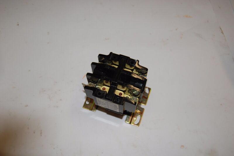 FURNAS ELECTRIC CO. 42BE15AFZ CONTACTOR 120/600V NEW