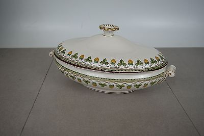 Wedgwood STRAWBERRY FRUIT with lid Oval Covered Vegetable Excellent Rare