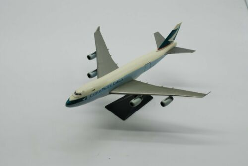 Cathay Pacific B 747 - W/Base - FREE FAST SHIPPING