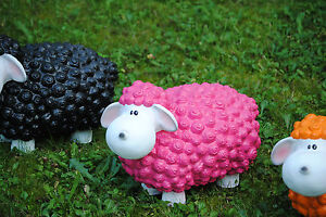 Lustiges Deko Schaf bunt Lamm Rosa Pink Tierfigur Gartenfigur Tier