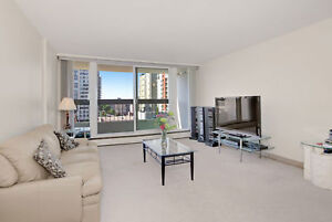 One Bedroom with Balcony in Oliver