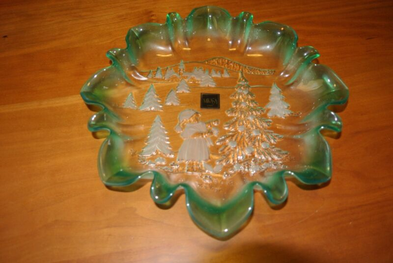 Mikasa Christmas Ruffled frosted green  Dish/plate, Christmas Story Spruce, NIB