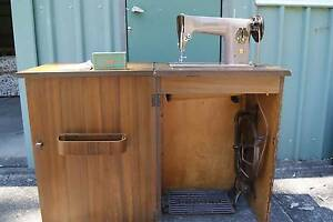 Singer 201K treadle sewing machine with cabinet North Richmond Hawkesbury Area Preview