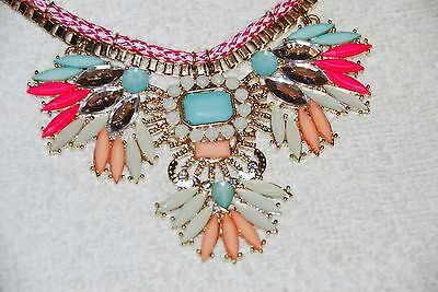 (NECKLACE WOMEN'S COSTUME JEWELRY BRAND NEW SHADES OF PEACH, GREEN AND PINK!!!)