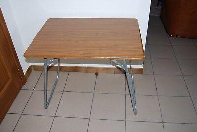 GA1 Ancienne table vintage - piètement métallique - WERZALIT France