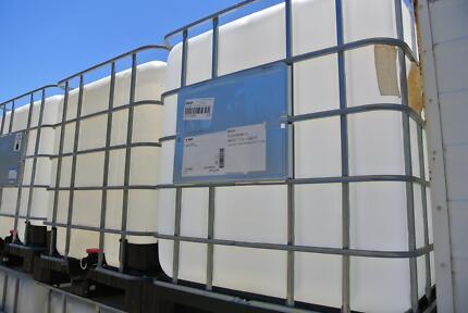 1000LT Tank, IBC Container, Plastic Base, VGC. Jandakot Cockburn Area Preview