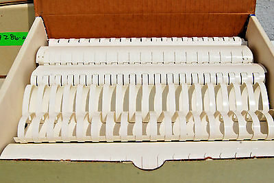 Binding Combs 1 34 White Plastic 19 Hole Box Of 50 S7284