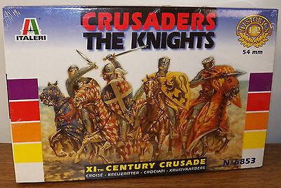 Italeri 11th Century Crusaders The Knights 16 figure model Kit #6853 1/32