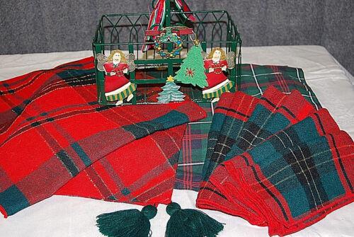 Christmas Plaid for Your Table - X481