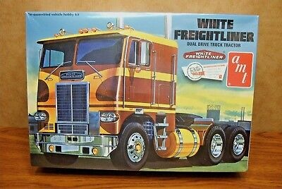 AMT WHITE FREIGHTLINER DUAL DRIVE CABOVER TRACTOR 1/25 SCALE MODEL KIT for sale  Shipping to Canada