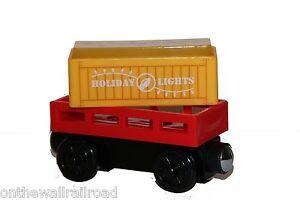 HOLIDAY-LIGHT-UP-CARGO-CAR-Thomas-Tank-Engine-Wooden-Railway-NEW-Christmas