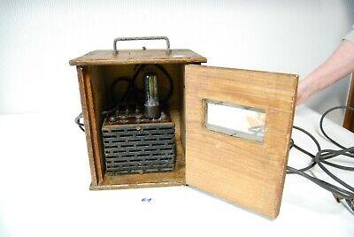 E1 Ancien chargeur - vérificateur de batterie - structure bois ?
