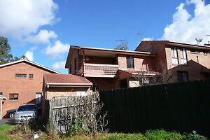 Room available in Coburg townhouse. Bills & ADSL2 included. Coburg Moreland Area Preview