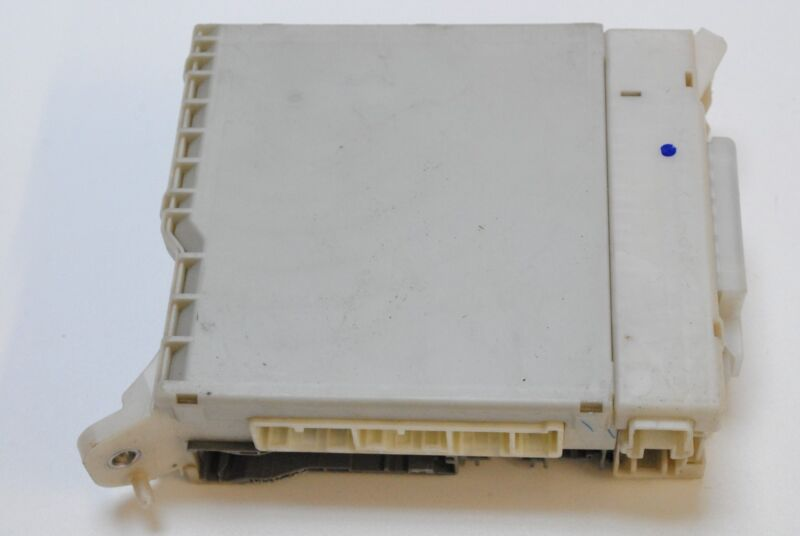 LEXUS IS 220d 2007 RHD FUSE JUNCTION BOX RELAY MODULE UNIT 82730-53050