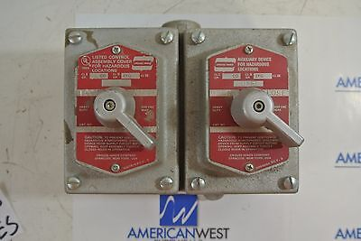 Crouse Hinds 2 Gang Box W Control Assembly Covers Dsd924 Ds673