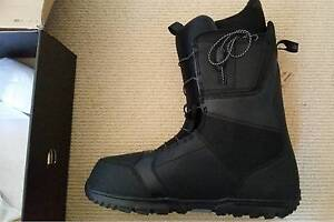 Burton Moto Snowboard size 13 Boots - brand new, unused with tags Telarah Maitland Area Preview