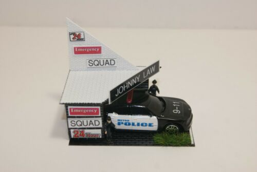 Ho Slot Car Scenery POLICE 24 hr. OUTPOST  has DIE CAST POLICE CAR & 2 OFFICERS