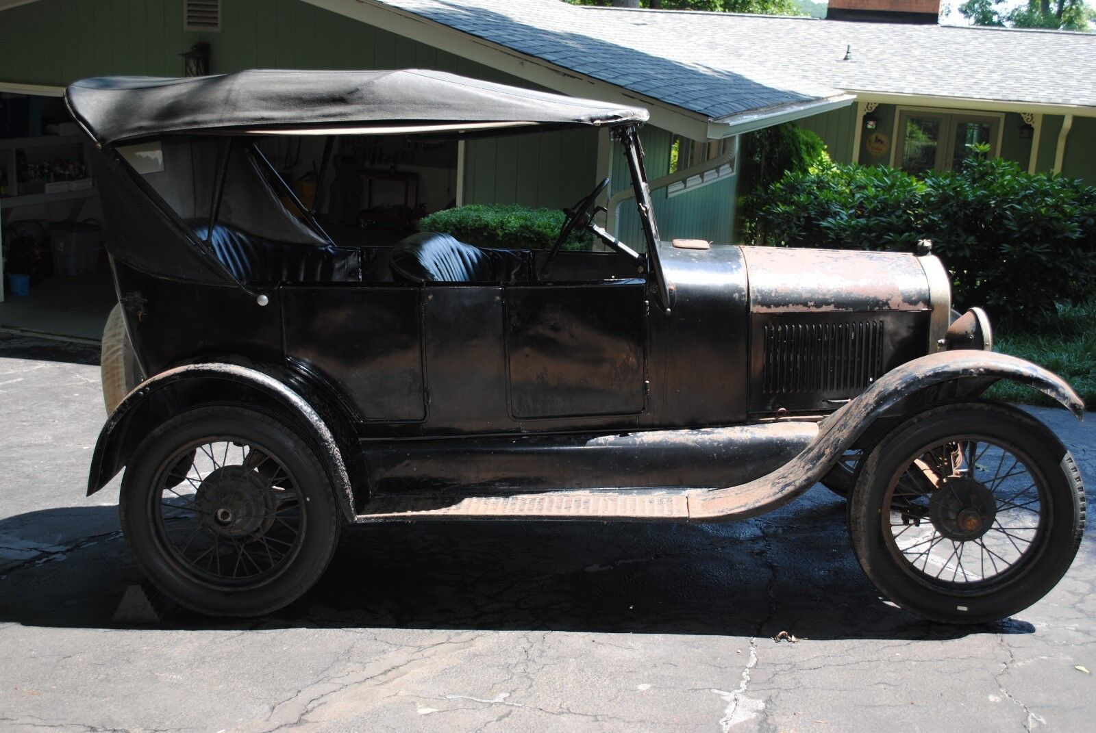 1926 Ford Model T -- 1926 Ford Model T Touring Car