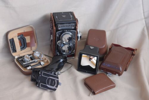 Rolleiflex 2.8F 80mm F/2.8 Planar with Accessories and Case in Excellent Cond