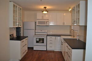 Pickering: Bayly/Liverpool 3 Bdrm Main Floor of Bungalow!