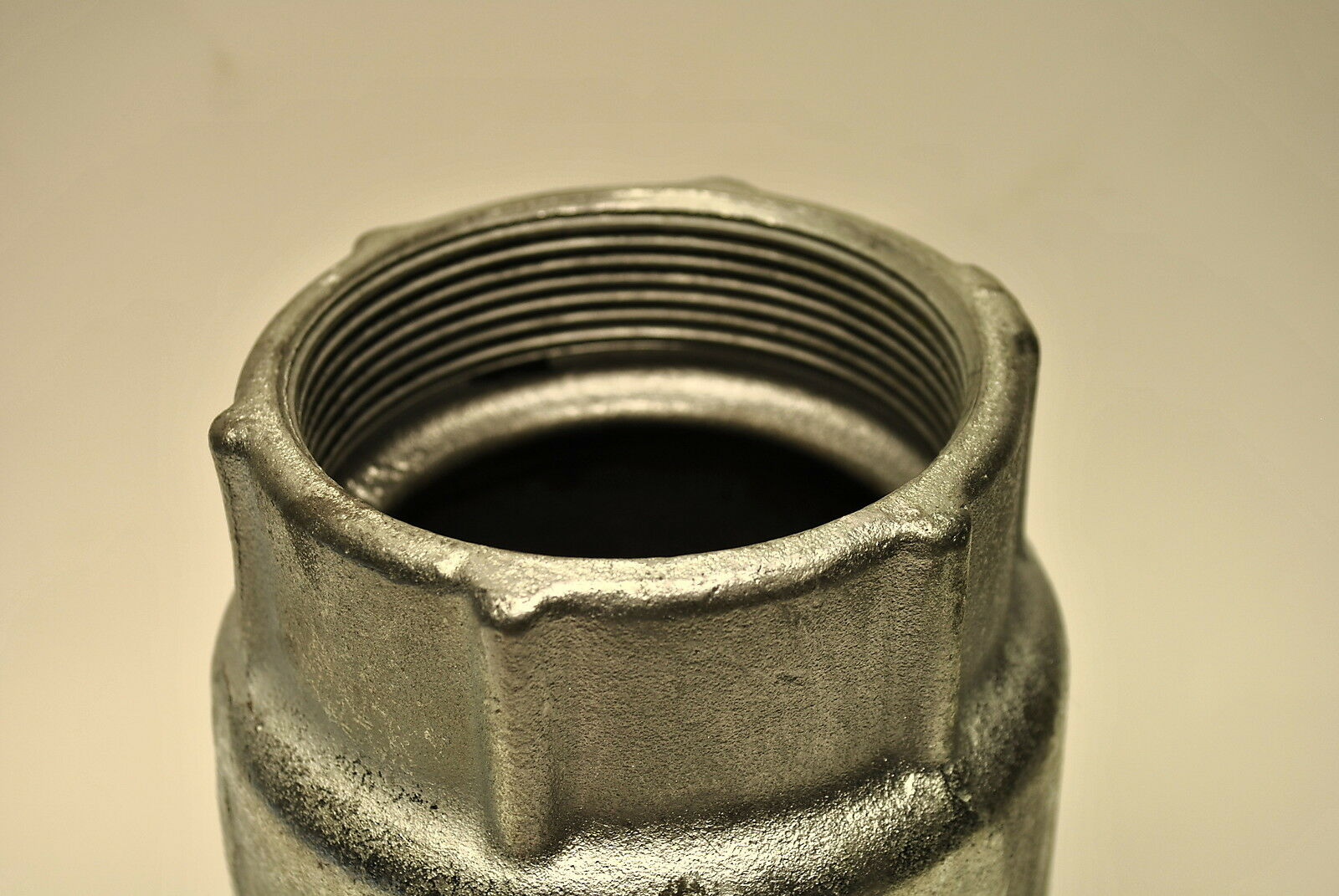 Quot malleable iron expansion joint coupling for rigid imc