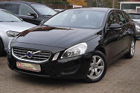 Volvo V60 D2  Kinetic Winter-Paket City-Safety