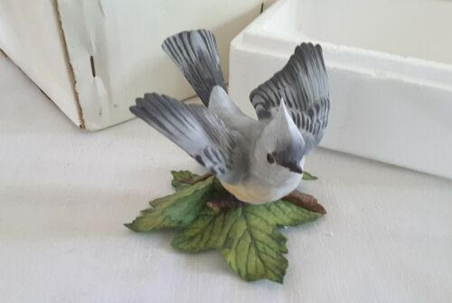 LENOX 1989 TUFTED TITMOUSE GARDEN BIRD PORCELAIN FIGURINE