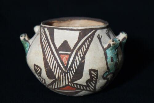 Antique Zuni Pueblo circa 1910-1920 Polychrome Pottery Frog Effigy Appliqué Jar