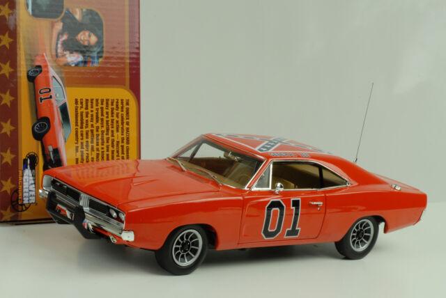 1969 Dodge Charger General Lee the Dukes of Hazard orange 1:18 Ertl Auto World